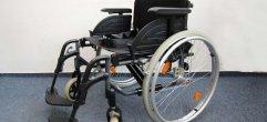 Rollstuhl-Faltrollstuhl-Oropedia-Web A-37218